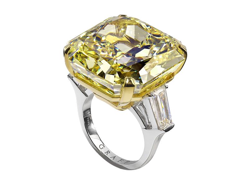 GRAFF DIAMONDS. Lujoso anillo de diamantes de color amarillo