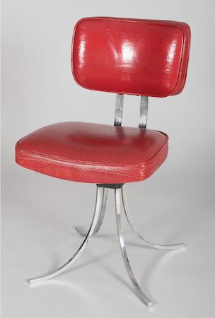 """Stol, """"Fisac"""", formgiven av Miguel Fisac för Rafael Garcia, 1960. På auktion hos Sala Retiro. Utropspris: 19 300 kronor."""
