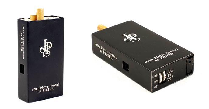 Das Highlight der Auktion: Zigarettenschachtel mit Spionkamera   Foto: ©Aston's