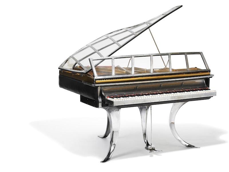 """Poul Henningsens flygel """"PH Grand Piano"""" från 1931 som stått på Tivoli i Köpenhamn på restaurant """"Belle Terasse"""" slog nytt världsrekord när det såldes för 2 450 000 danska kronor."""