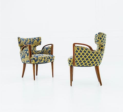 Paar Sessel aus Holz mit zweifarbigen Bezügen, je 80x57x60 cm, Italien ca. 1950 Schätzpreis: 600-800 EUR