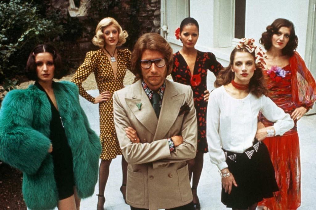 855e47a6a571 Han revolutionerade mode för kvinnor och kom att bli en av 1900-talets  främsta modeskapare. Barnebys berättar historien bakom framgångssagan Yves  Saint ...