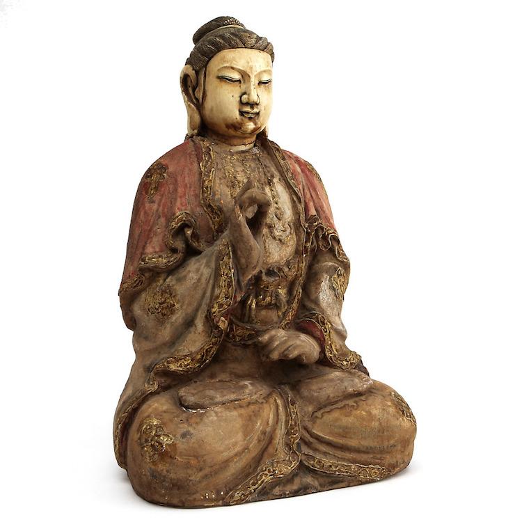 Figurin, elfenben och bemålat trä. Kina, 1600/1700-tal. Utropspris: 20.000 SEK. Göteborgs Auktionsverk