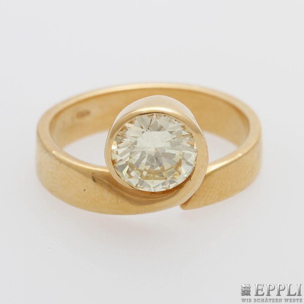 Damenring aus GG mit einzelnem Diamant-Brillant (ca. 1,1 ct) Aufrufpreis: 2.640 EUR