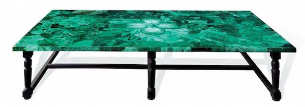 木制咖啡桌,以黑色和孔雀石鑲飾。Leclere銷售中