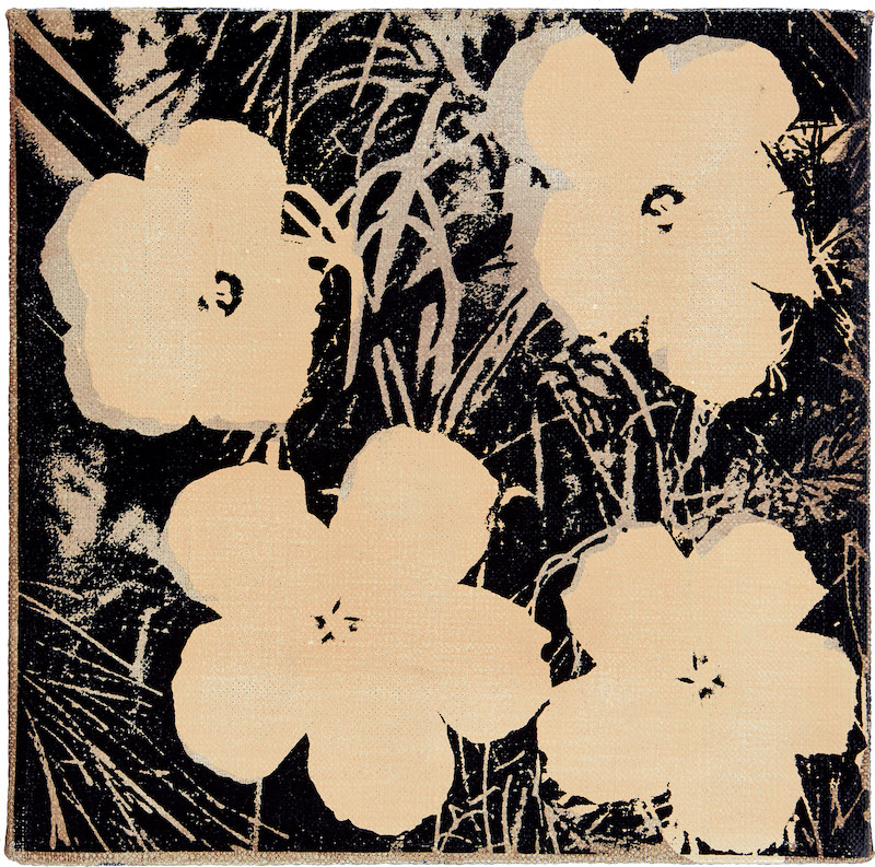 """Auktionens toppnummer av Andy Warhol är """"Flowers"""" från 1964 kommer ursprungligen från Jan Eric Löwenadler och Jeanette Bonniers Bonlow Gallery som de drev i New York 1980-83. Målningen köptes 1982 av en svensk konstsamlare. Nu är utropet 1,5-2 miljoner kronor"""