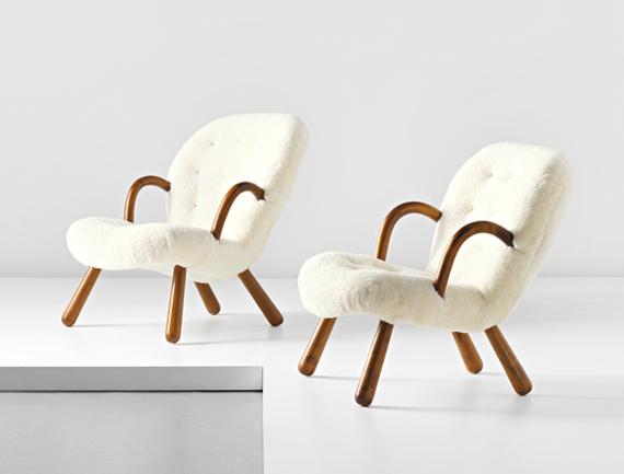 拍賣行菲利普斯(Phillips)以146,000英鎊獲得一對椅子,相當於每個約70萬瑞典克朗!