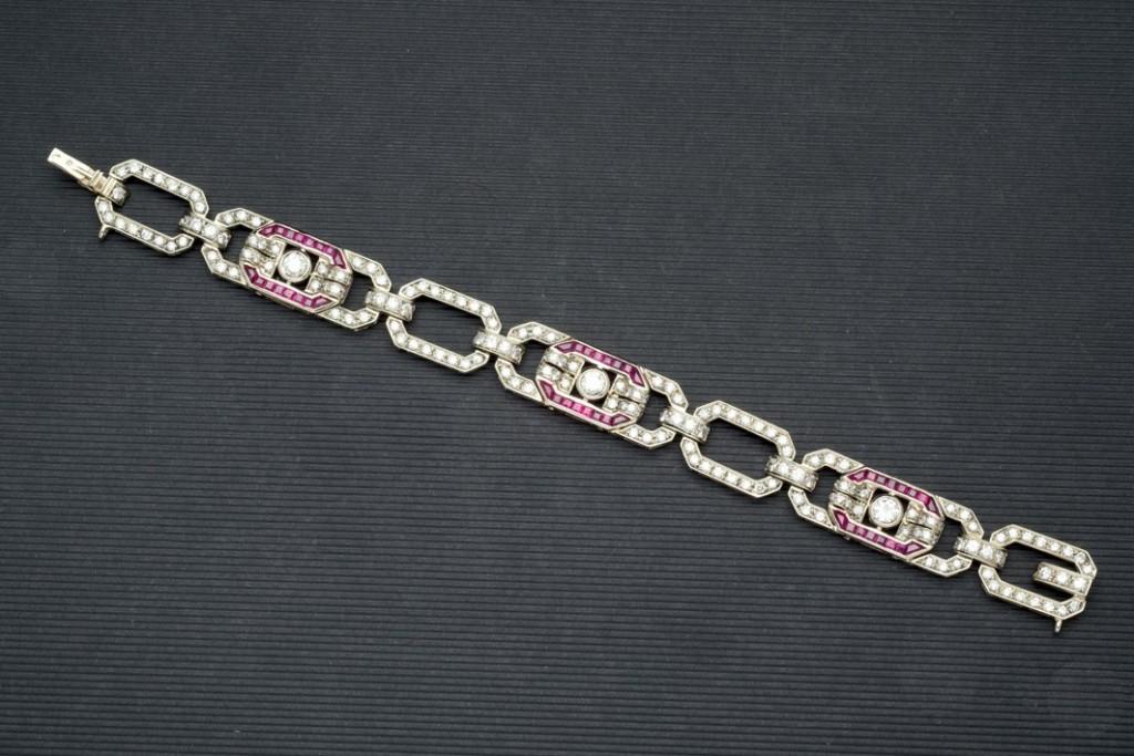 Armband aus WG mit Rubinen und Diamanten