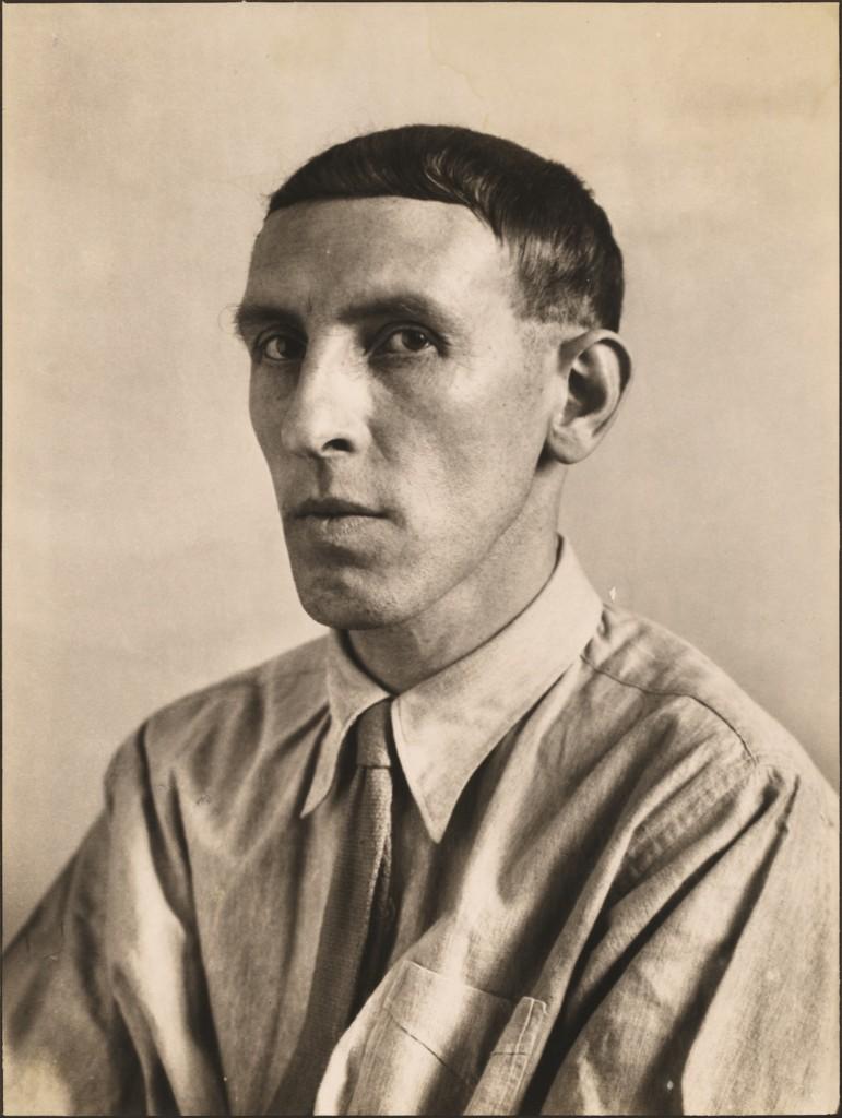 AUGUST SANDER (Herdorf 1876 - 1964 Köln) - Der Maler Heinrich Hoerle, 1928, Gelatinesilberabzug vor 1953