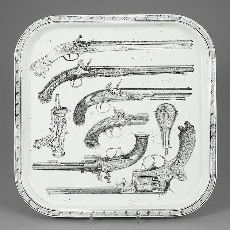 Bricka plåt, Piero Fornasetti, Italien 1900-talets mitt. Utrop: 2,000 SEK. Bukowskis market