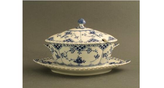 Musselmalet. Helblond - 1-1106. Kunglig Dansk Royal Copenhagen. Fast pris: 3 700 SEK.