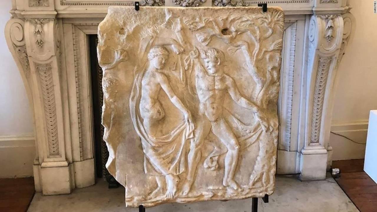 La sculpture en marbre romaine, datant du IIe siècle après J.-C, a été rendue a l'Italie par Christie's, image Christie's via CNN