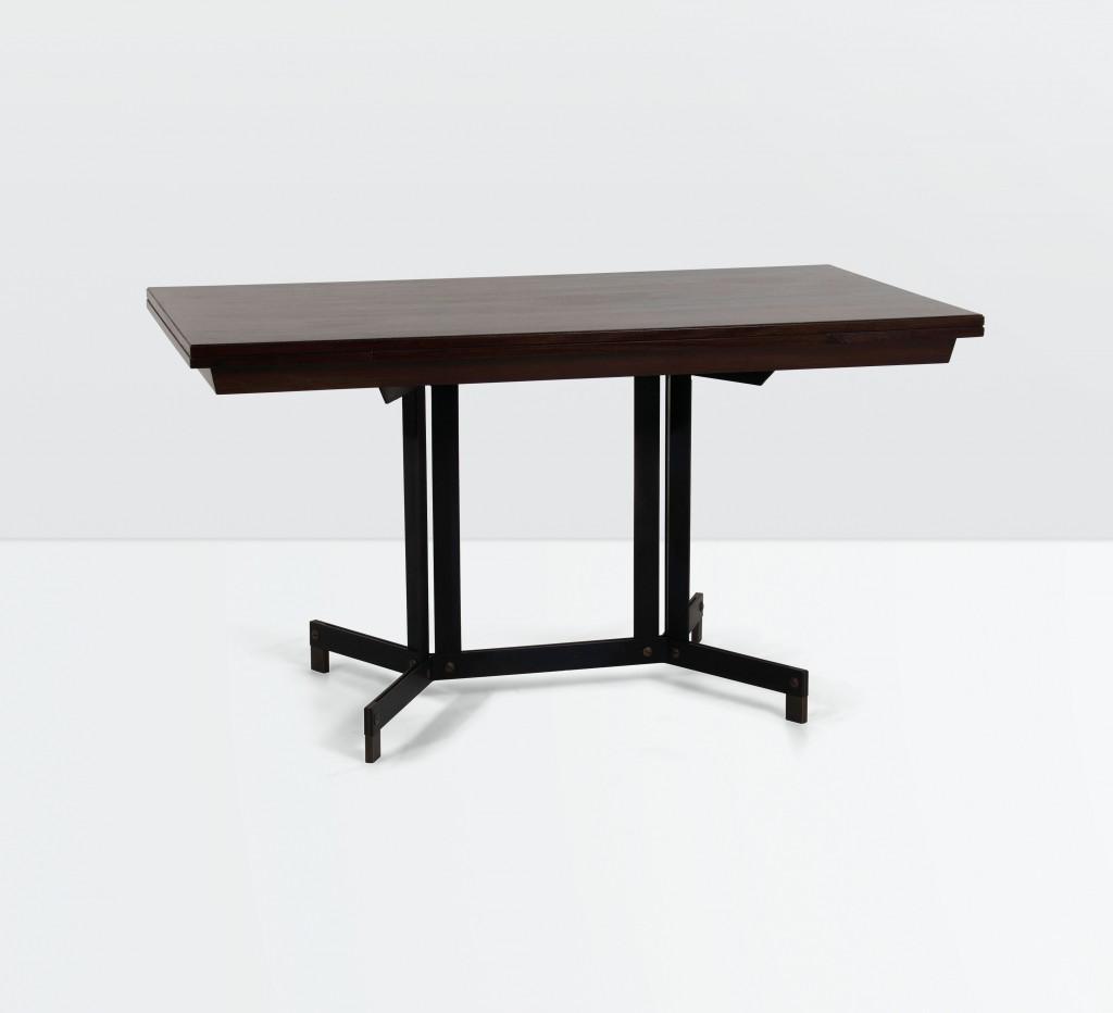 Ignazio Gardella, table en bois et en métal, image ©Cambi Casa d'Aste