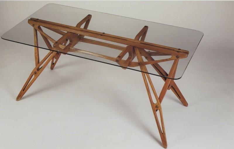 "Table ""Reale"", photo via Penccil.com"