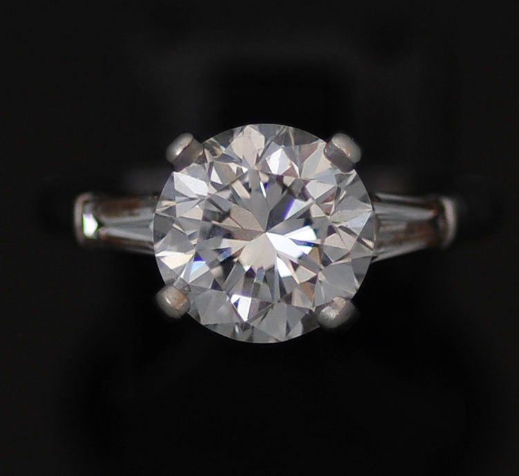 iffany Platinum and diamond ring, 2.96 carats, VVS1, D/E color center stone