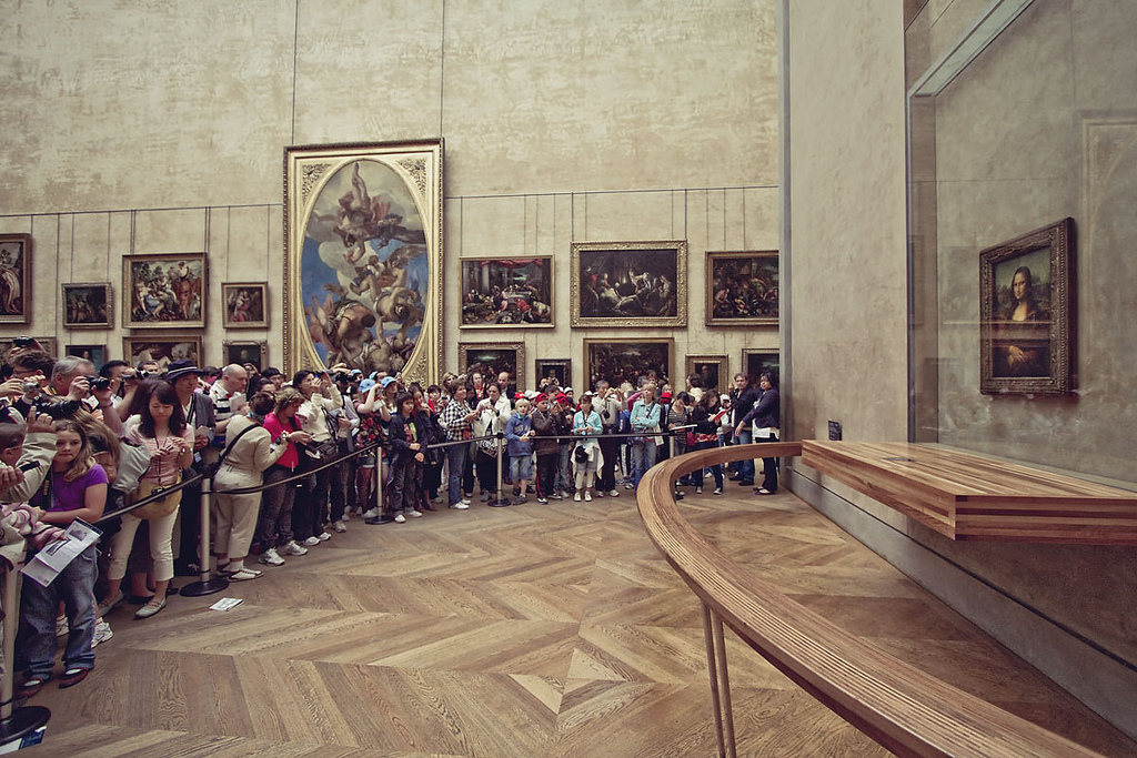 Mona-Lisa-at-the-Louvre