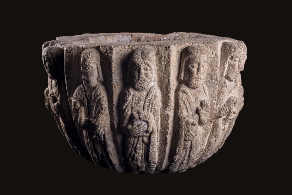 Labrum, aus einem Kapitell gefertigt, H: 25 cm, D: 45 cm, byzantinische Epoche, 11.-12. Jh. Schätzpreis: 10.000-12.000 GBP (11.472-13.766 EUR)