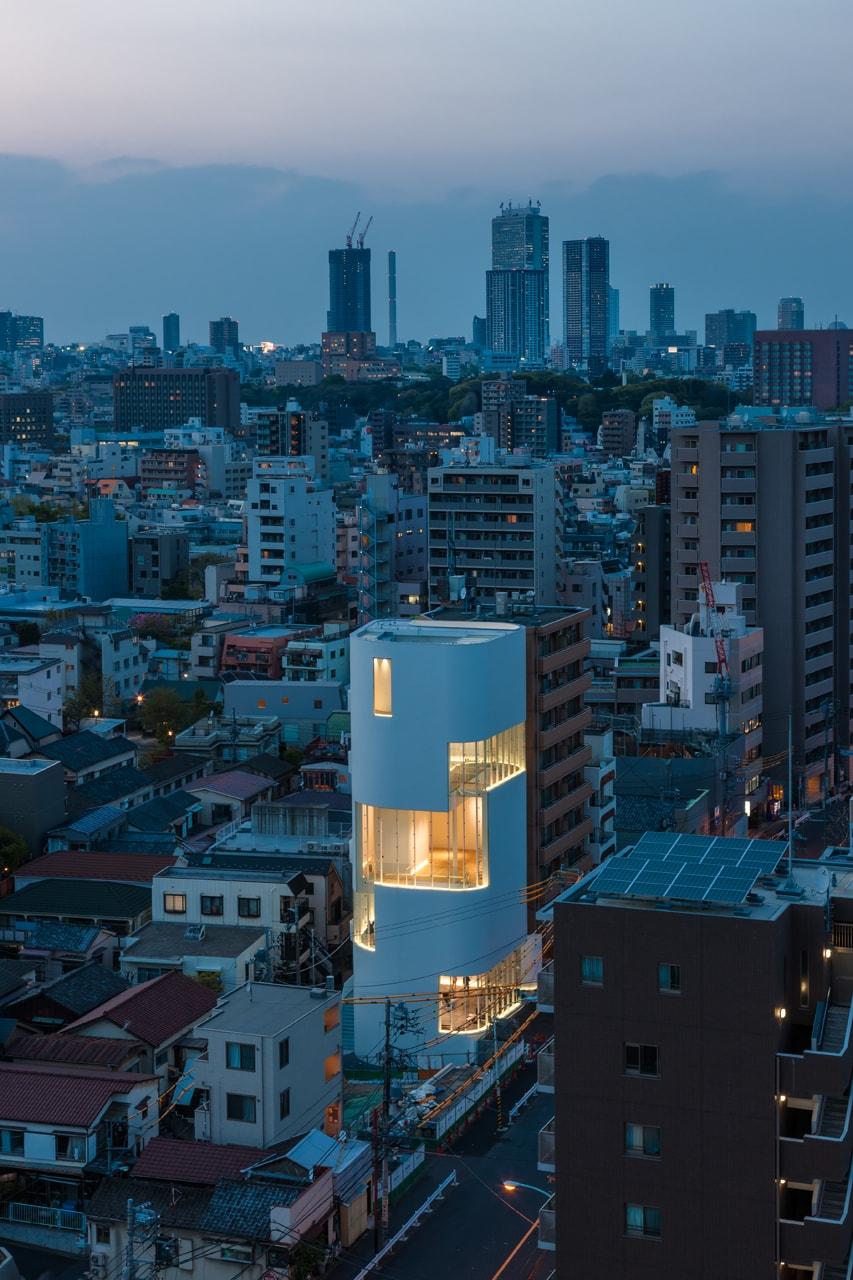 photo by Masahiro Tsuchido ©YAYOI KUSAMA