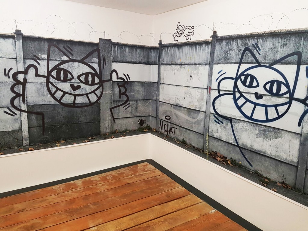 Installation de M.Chat lors du vernissage de l'exposition de la galerie Brugier-Rigail Image: Barnebys