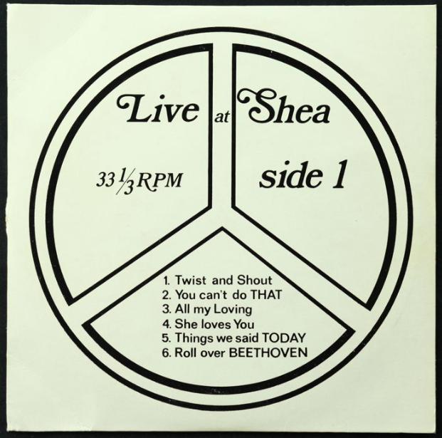"""Lot de 2 EP des Beatles """"Live At Shea Stadium March 1964 Side 1"""" + """"Live At Shea Part 2"""""""