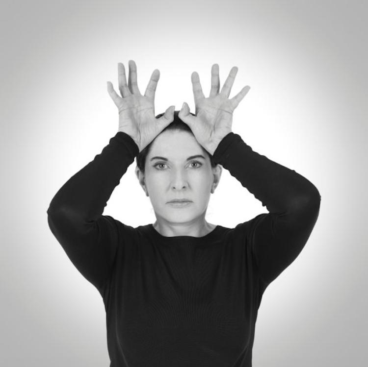 Marina Abramovic´är en av samtidskonstens hetaste namn sedan en tid tillbaka. Nu är det galleri Brandstrup i Oslo som tillsammans med de stora gallerierna såsom The Serpentine Gallery i London och Sean Kelly i New York