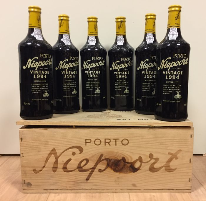 1994 Niepoort Vintage Port wine box with 6 bottles