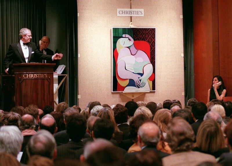 Tänk dig själv; två glas champagne, ni ställer upp framför miljardmålningen för en bild och...pang är olyckan framme...Målningen såldes till slut för 157,5 miljoner dollar