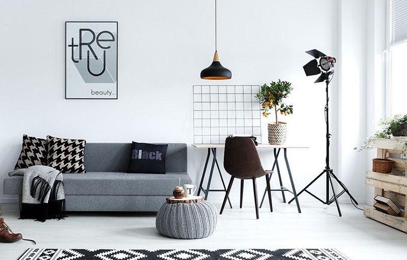 Black and white decor - never goes out of style. Photo via: mydeal.com.