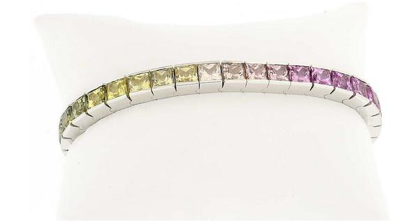 Riviere-Armband aus Weißgold mit 36 Princess-Saphiren (zus. 32,633 ct) Schätzpreis: 25.000-35.000 CHF