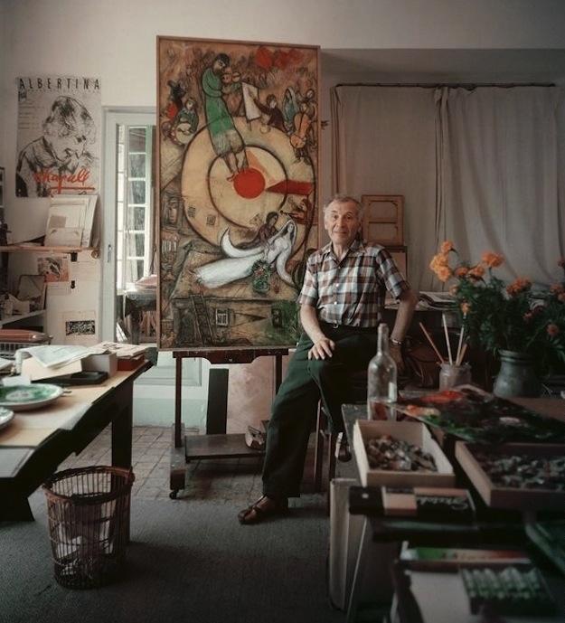 Marc Chagall i sin studio i Vence 1955. Foto: Mark Shaw