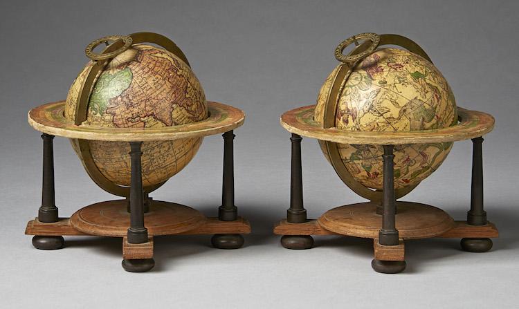 Johann Gabriel Doppelmayer. Deutschland 1671-1750. Himmel- und Erdglobus, ein Paar. Datiert 1736 Nürnberg. Schätzpreis umgerechnet ca.: 42 800 EUR. Uppsala Auktionskammare