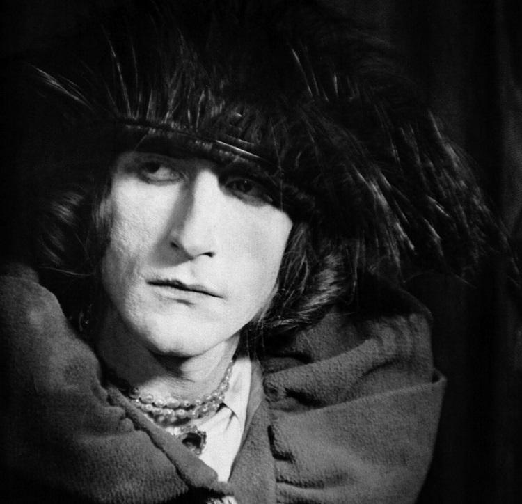 Marcel Duchamps alter ego Rrose Sélavy, 1921