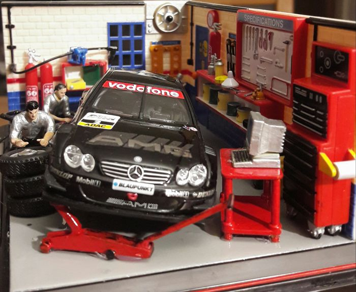 SCHUCO / Paul's Model Art / AUTOart - Scale 1:43 - Diorama by SCHUCO 5 x DTM Mercedes-Benz