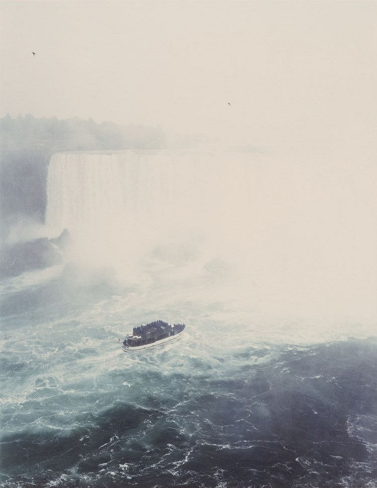 Andreas Gursky, Niagara falls, 1989. €60,000 - €80,000. Lempertz