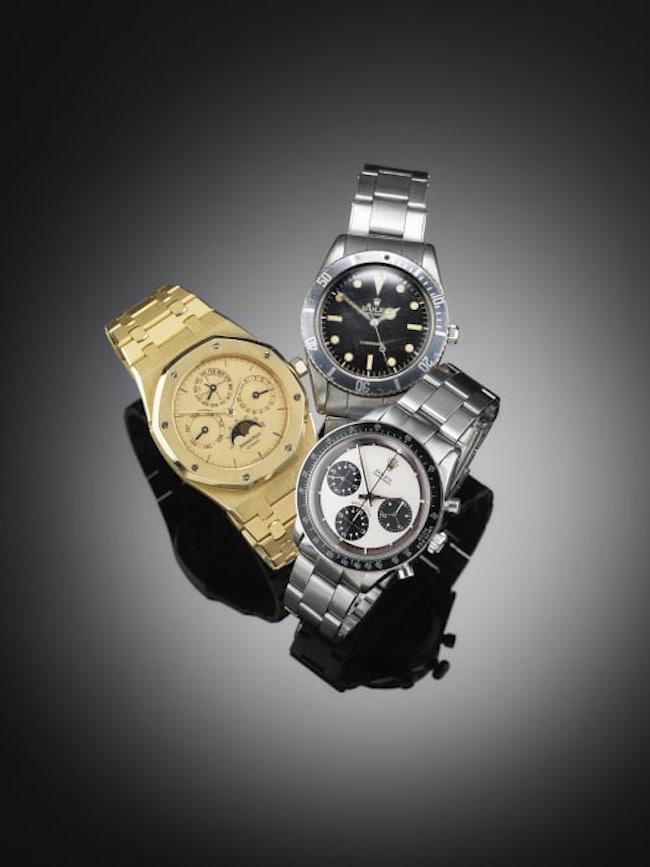 """Auktionen innehåller en imponerade avdelning med armbandsur och andra klockor. En av världens mest efterfrågade armbandsur är Rolex Daytona Cosmograph """"Paul Newman"""". Auktionens exemplar är från 1964-65 och ropas ut för 800 000 - 1 000 000 danska kronor. PÅ bilden även en Rolex Submariner från 1953-54 samt en Audemars Piguet Royal Oak från 2000"""