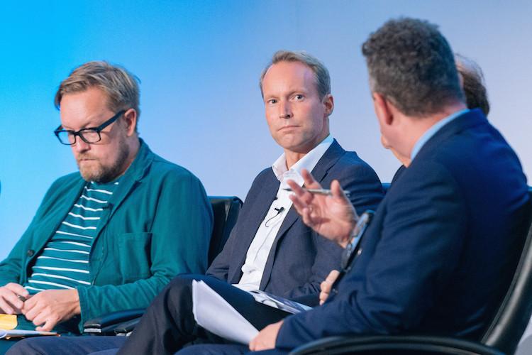 Le co-fondateur de Barnebys Pontus Silfverstolpe interrogé en septembre 2016 par Ivan Macquisten lors de l'Art Business Conference à Londres