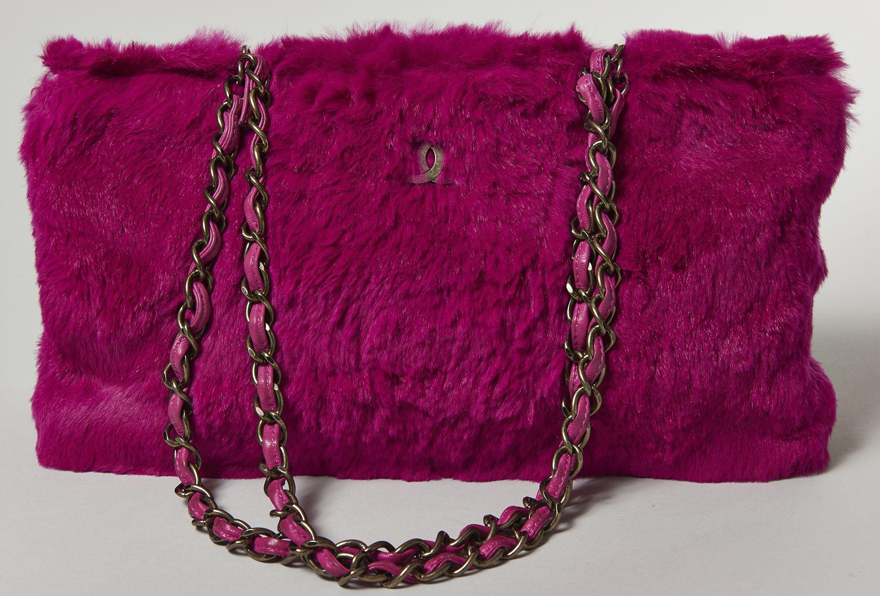 Chanel Amusant sac en castorette rose fuchsia Artcurial