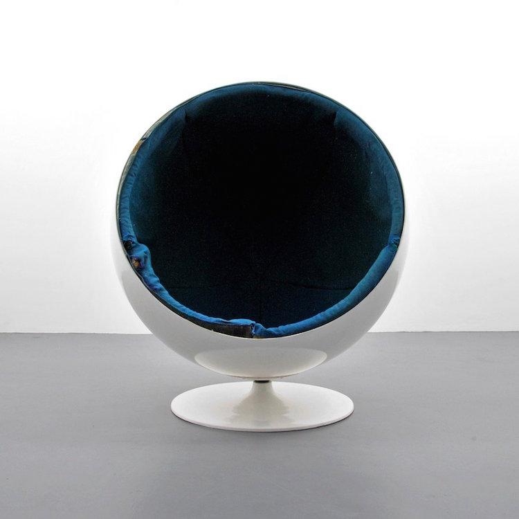 Eero Aarnio 'Ball/Globe' Lounge Chair. Estimate $1,000 – $1,500. Photo via Palm Beach Modern Auctions