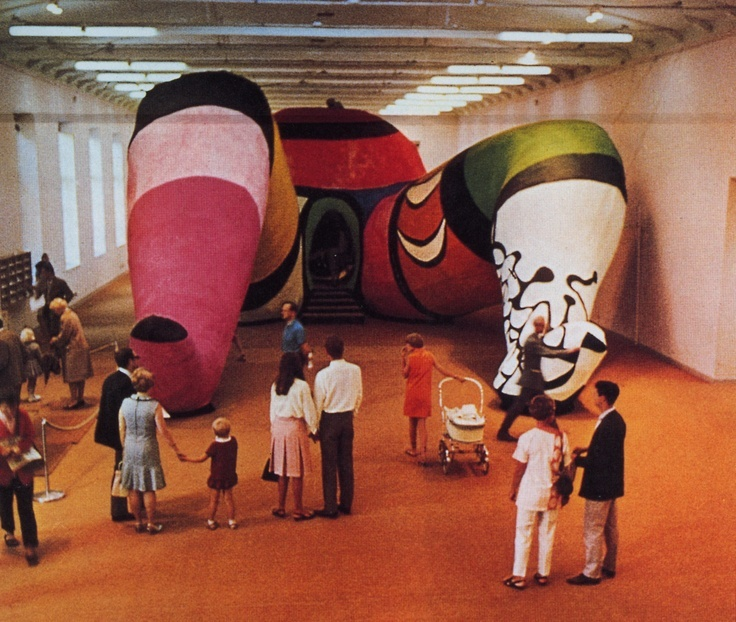 Niki de Saint Phalle, Hon, 1966 (Stockholm, Sweden, Moderna Museet) Niki of St. Phalle, Hon, 1966 (Stockholm, Sweden, Moderna Museet)