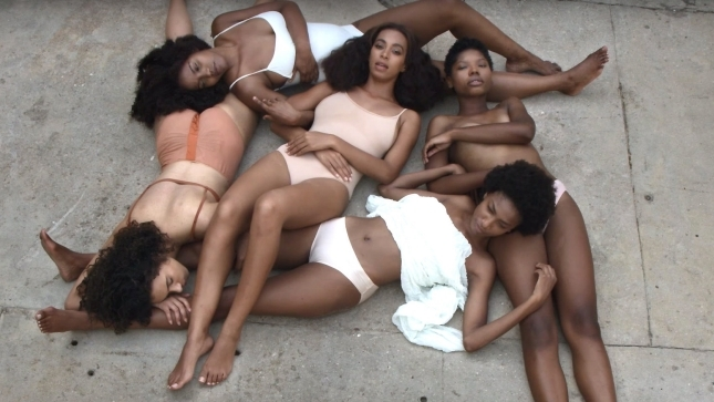 Solange Knowles im Video zu ''Don't Touch My Hair''