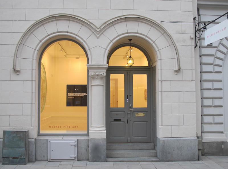 """McCabe Fine Art har på fem år seglat upp som en av Sveriges ledande konsthandlare av internationell modern och samtida konst. Under Stockholm Art Week visar McCabe Fine Art utställningen """"Shaping the Canvas"""" med verk av bland andra Lucio Fontana, Dianna Molzan och Blair Thurman. Utställningen pågår mellan 15-28 april"""