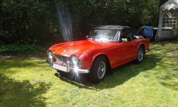 Triumph - TR4, 1964. Utropspris: 218 000 - 284 000 kronor.
