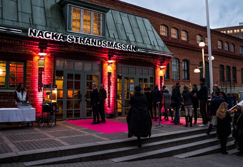 Nacka Strandsmässan, gratis shuttlebussar går från Vasagatan 16 samt Scandic Anglais vid Humlegården.