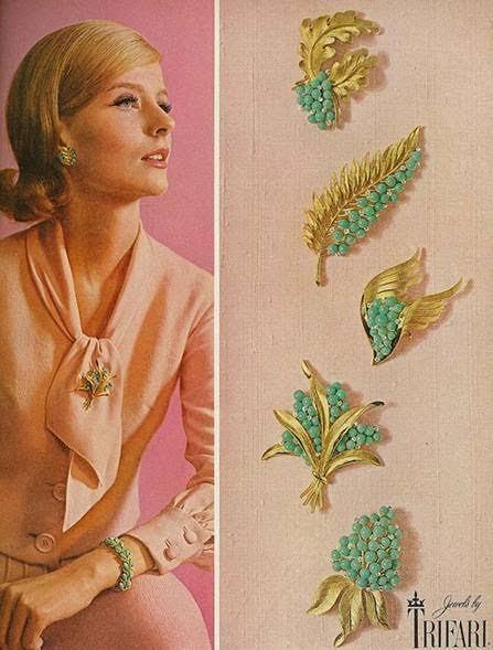 Publicité pour les bijoux Trifari, 1963 Image via Fellows