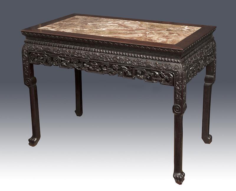 Bord, Hongmu. Kina, 1800-talets början.Trä och marmor.