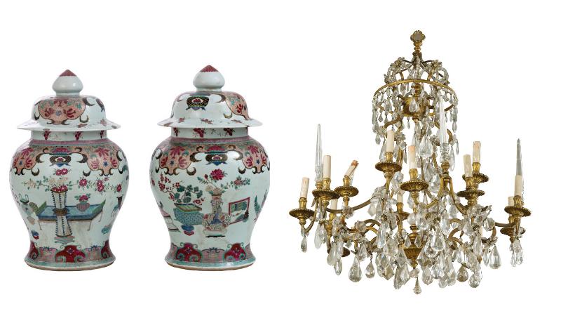 Gauche: paire de grandes potiches en porcelaine à décor polychrome/ Droite : lustre de style Louis XV en bronze et cristaux, images ©Della Rocca