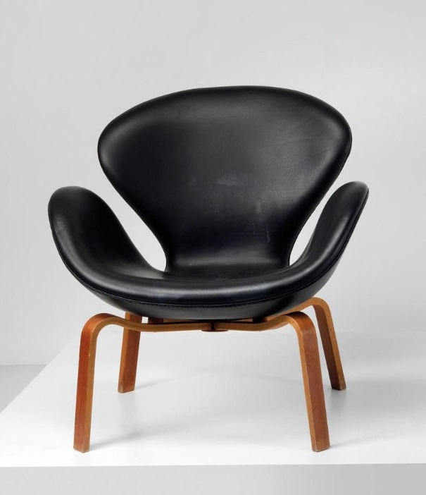 """ARNE JACOBSEN - """"Swan Chair"""" Modell Nr. FH 4325, 1960"""