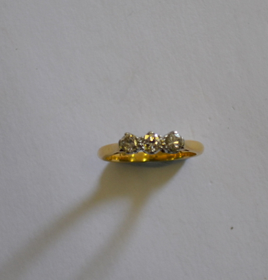 Bague diamant trois pierres Andrew Smith & Son Estimation: 430 €