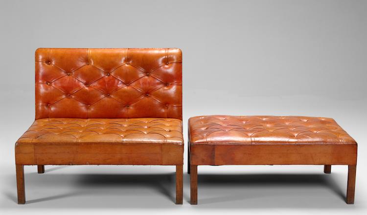 """""""Addition"""" är namnet på soffan med fotpall från 1933. Designer: Kaare Klint"""