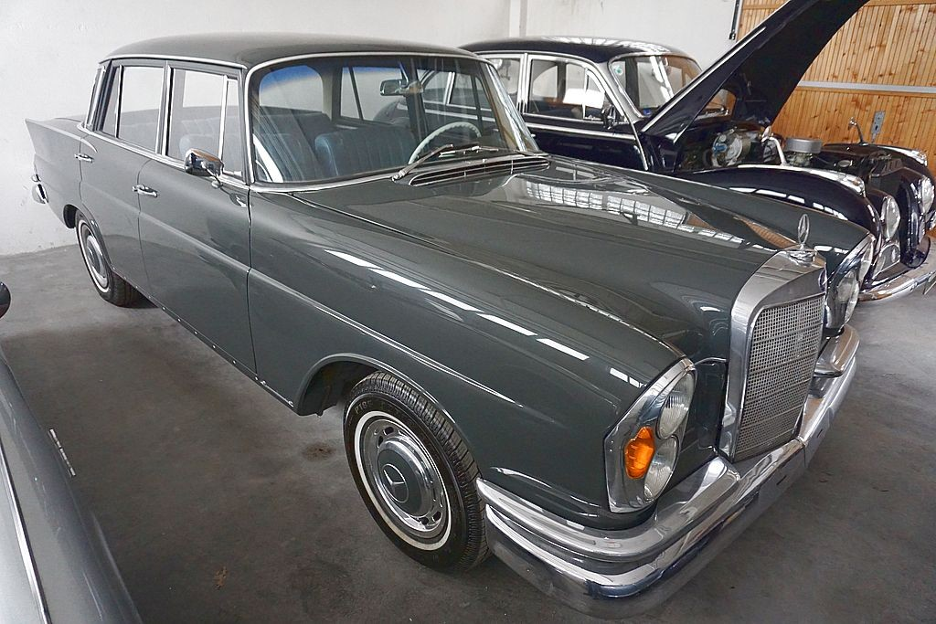 MERCEDES-BENZ 220 S (W111) Heckflosse, 1961